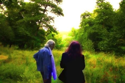 AGC e Isabel Escudero en el verano de 2012 en un paseo por la Ciudad Ducal, Navas del Marqués (ÁVILA)